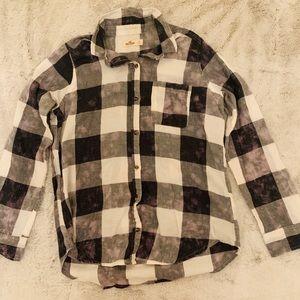 Women black/white checkered flannel!🌝🌚
